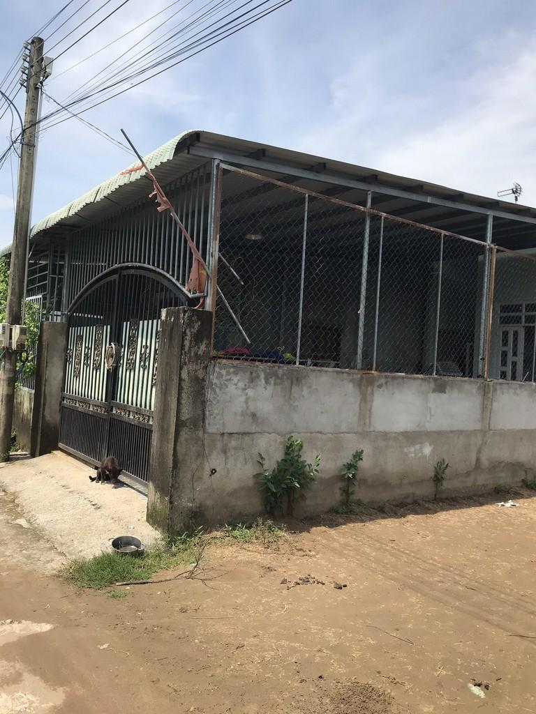 Nhà cấp 4 hai mặt hẻm ô tô xã Phú Đông 5 x 20~99 m2 thổ cư toàn – Giá: 2 tỷ!